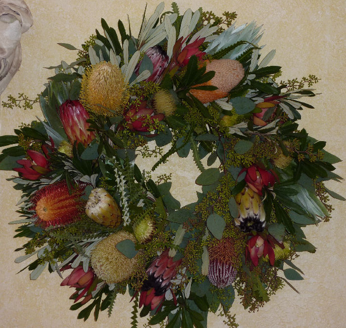 BANKSIA & PROTEA WREATH