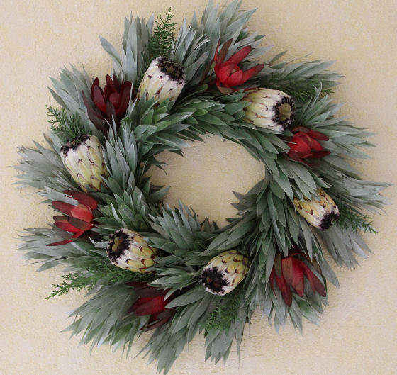 RED SAFARI, SILVER & WHITE PROTEA WREATH